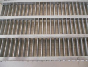 SS304 Stainless Steel Flat Water Wedge Wire Screen Panels Customize Length
